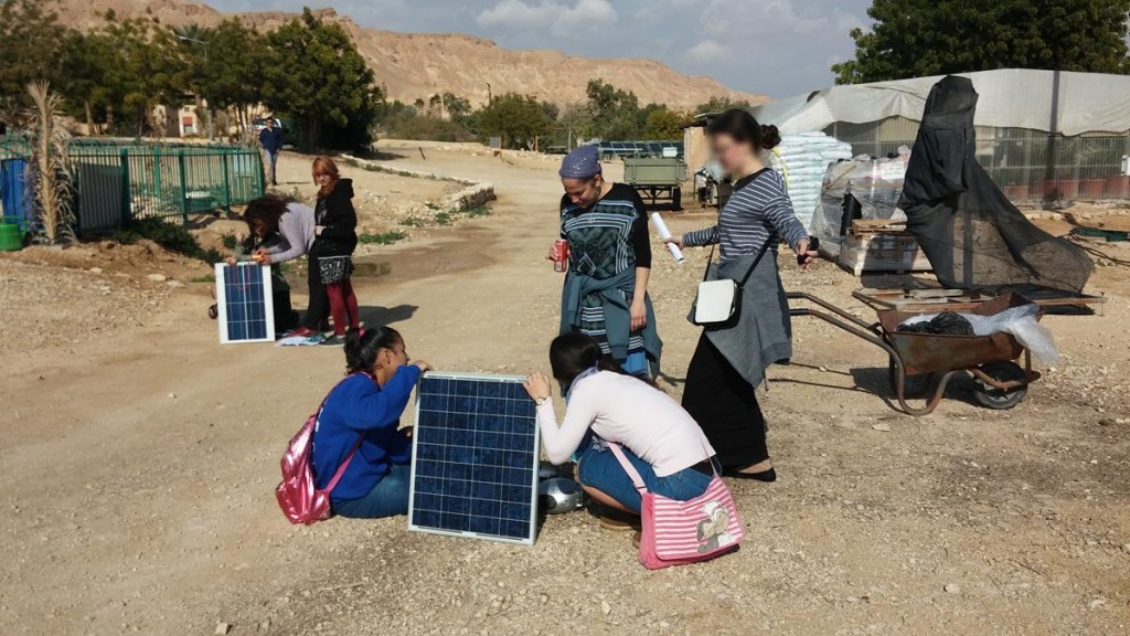 students in Eilat-Eilot's off-grid village as part of our MEPI project